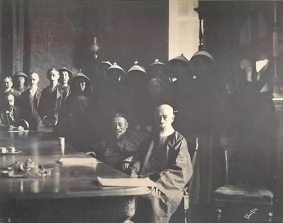 李鸿章开始与八国联军的艰难谈判
