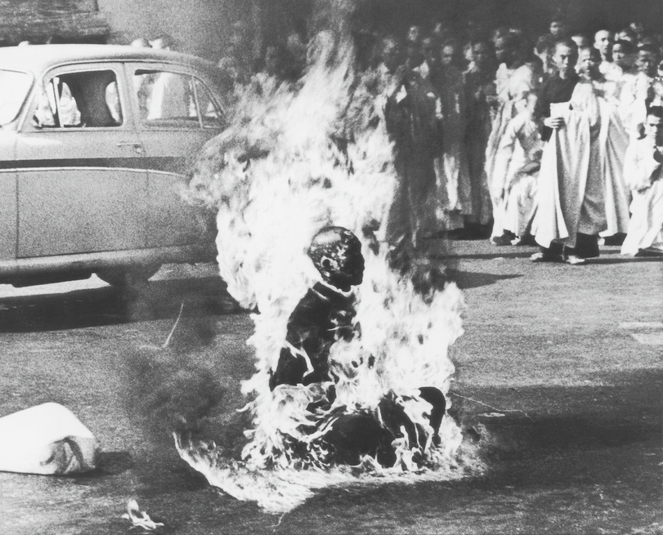 越南僧人释广德自焚——越南总统被枪决
