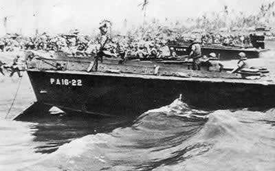 美军登陆日本冲绳岛