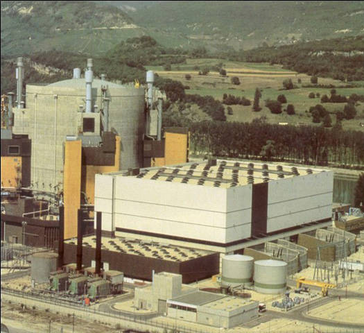 苏联第一个核电站开始发电