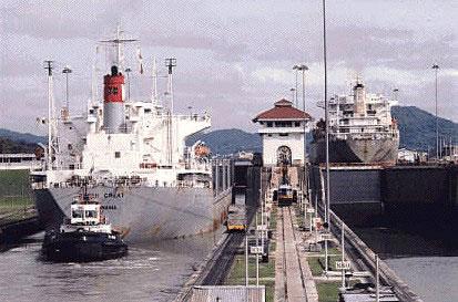 巴拿马运河大桥建成