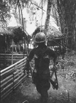 美莱村屠杀案中5名凶手受到军方指控