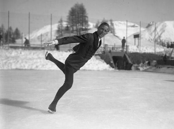 瑞典花样滑冰运动员吉利斯·格拉夫斯特伦出生