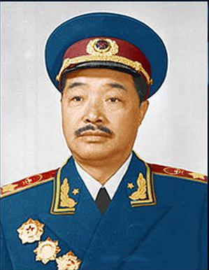 中共中央为贺龙恢复名誉