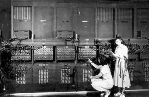 世界第一台电子计算机问世